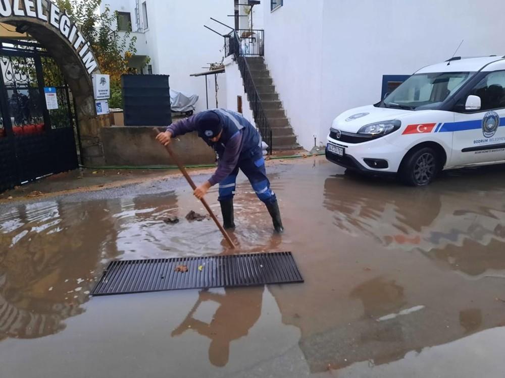 Büyükşehirden Bodrum su baskınlarına müdahale