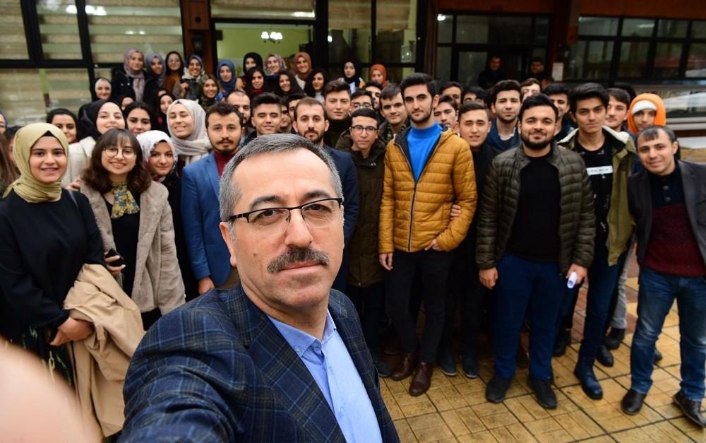 Büyükşehir'den gençler için 2 proje