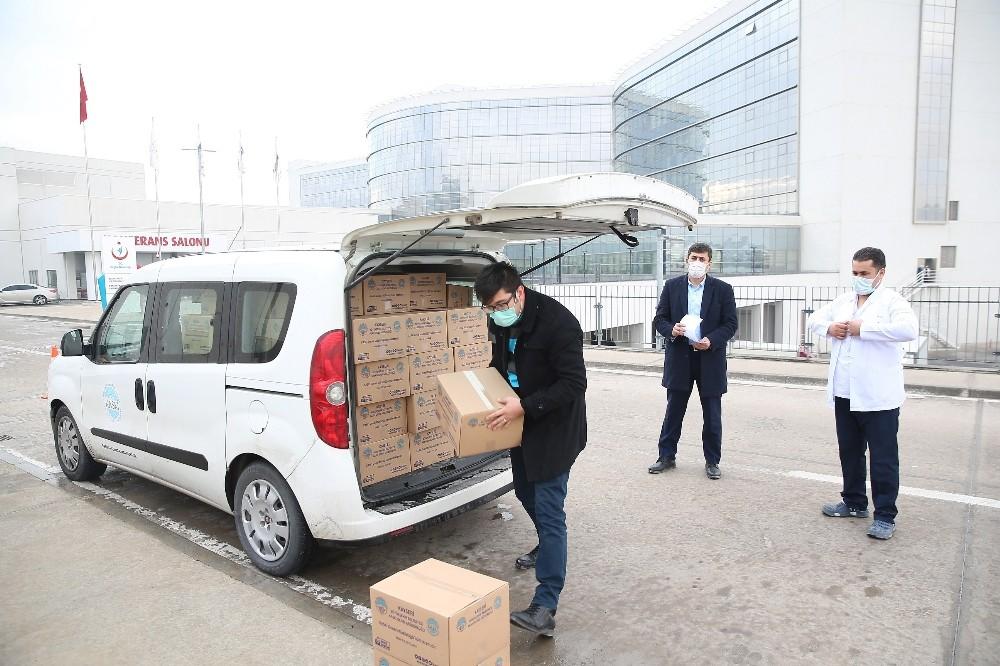 Büyükşehir'den Şehir Hastanesi'ne 3 bin adet hazır paket su