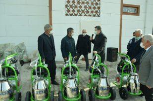 Çelikhan'da yetiştiricilere süt sağım makinesi