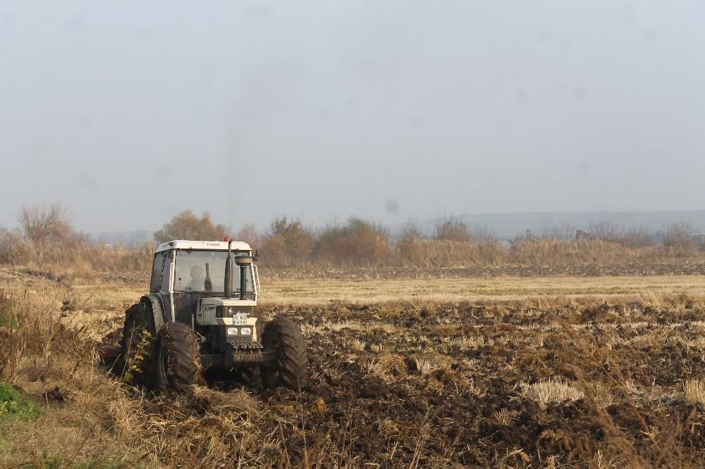 Çiftçiler ve çobanlar kısıtlamada çalıştı