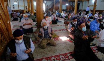Cuma namazı sonrası yağmur duası edildi