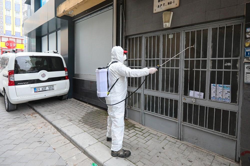 Denizli Büyükşehir dezenfekte çalışmalarına devam ediyor