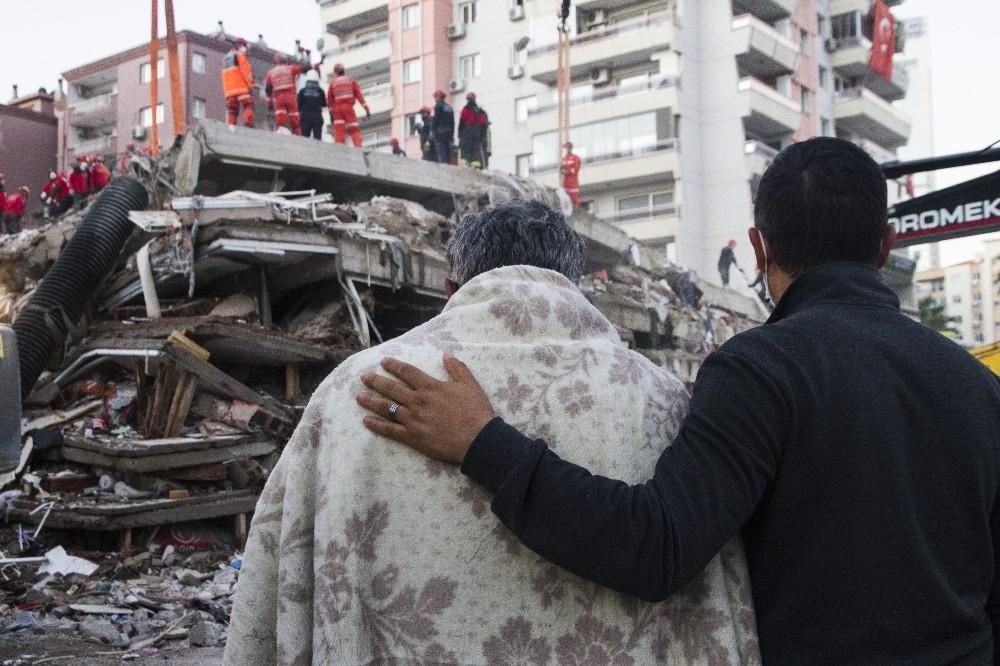 Deprem gerçeği Arka Plan'da masaya yatırıldı