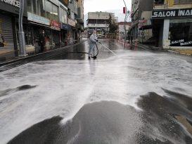 Dilovası'nda cadde ve sokaklar dezenfekte edildi