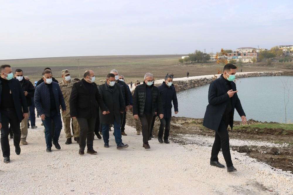 Diyarbakır Valisi Münir Karaloğlu, Karaçalı Göletinde inceleme yaptı