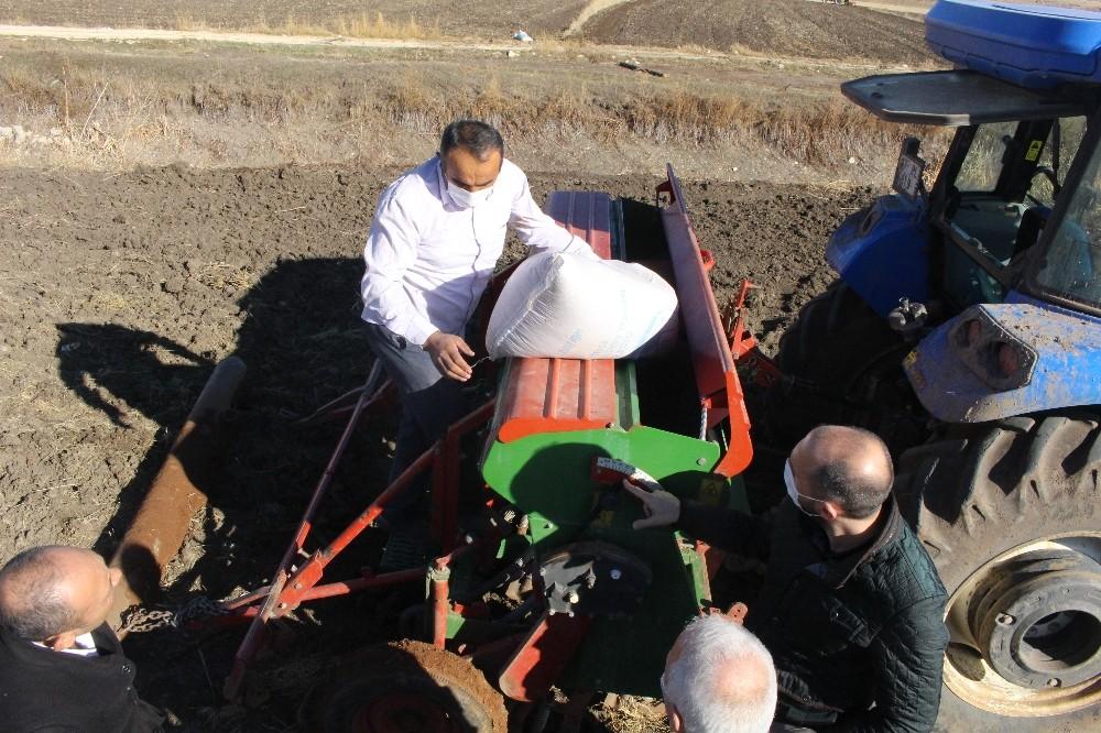 Ekim yapılamayan alanlar tarıma geri kazandırılıyor