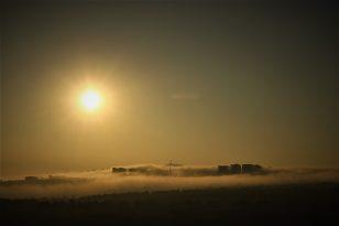 Elazığ'da Sis Yüksek Yapıları İçine Aldı