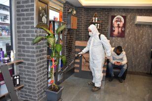 Erenler'de berberler dezenfekte ediliyor