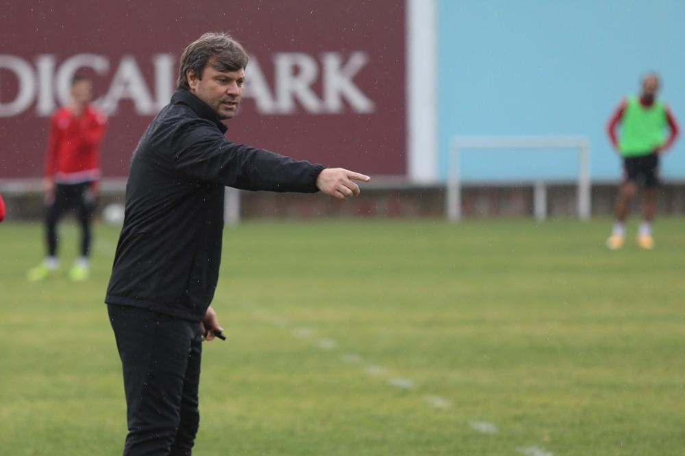 """Samsunspor: """"Ligin İlk Devresini İlk 2 İçerisinde Bitireceğiz"""""""