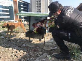 Esenyurt'ta kısıtlamada polisten örnek davranış