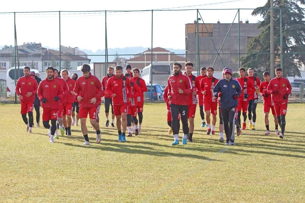 Eskişehirspor, Balıkesir deplasmanı öncesi hazırlıklarını tamamladı