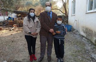 Aydın'da Görme engelli Orhan Can'a Çerçioğlu'ndan tablet hediyesi