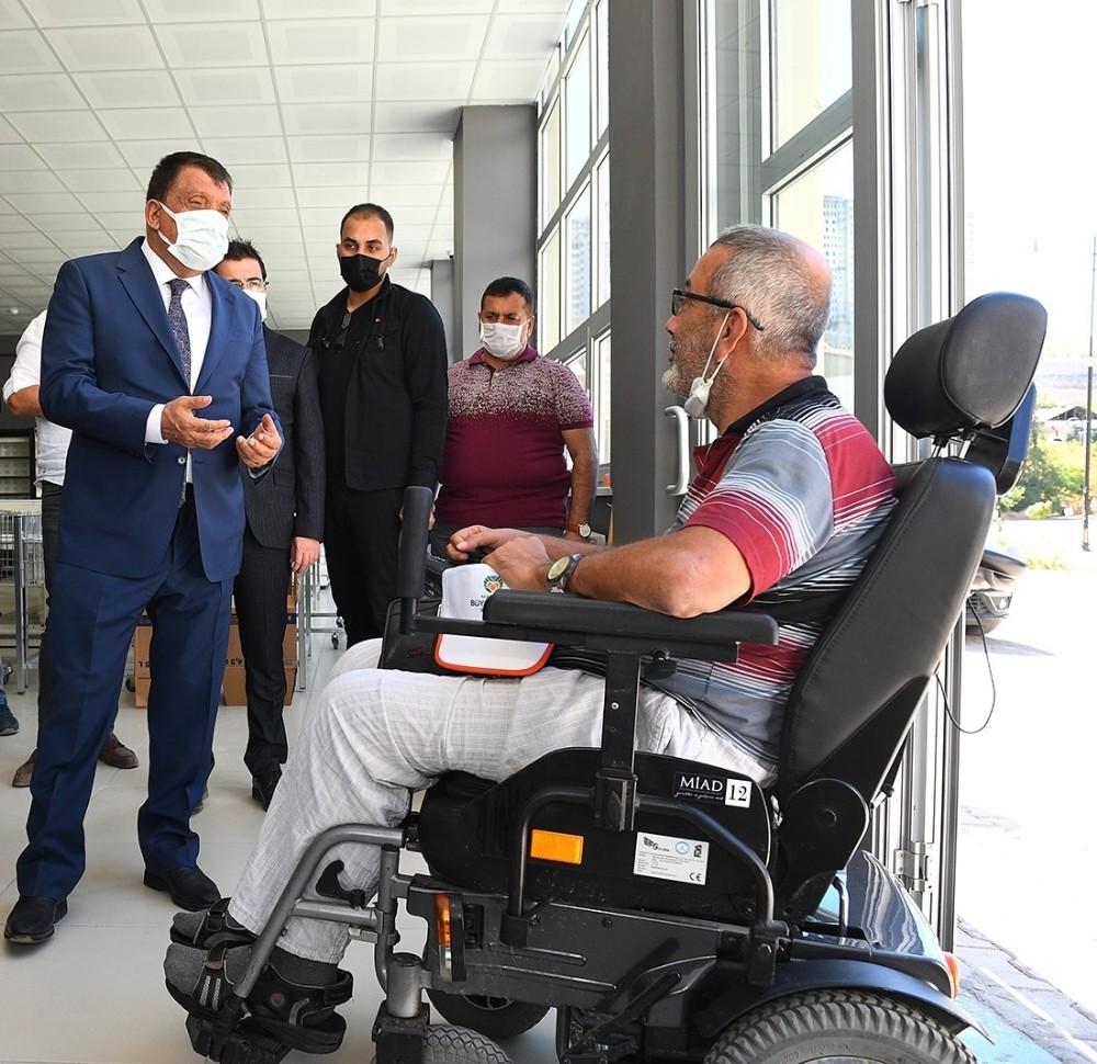 Gürkan'dan Engelliler Günü mesajı