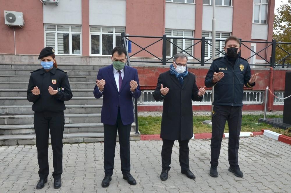 Karabağ Zaferinde Şehit Olan Azeri Türk Askerler İçin Dua Edildi