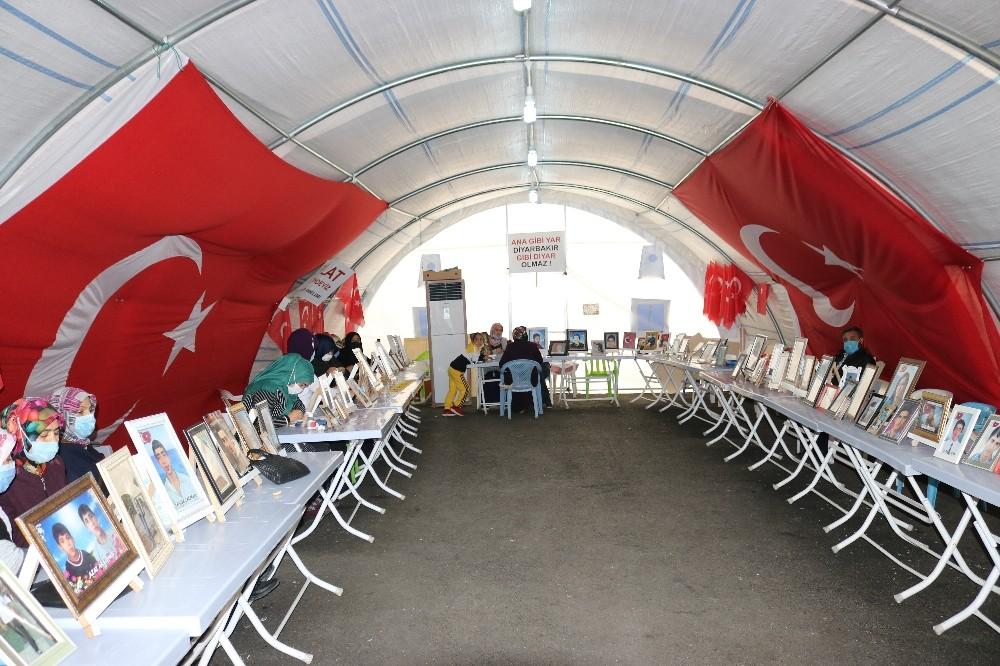 HDP önündeki çadır çocukları dağa kaçırılan ailelerin umudu oldu