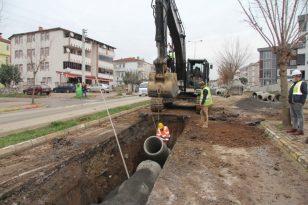 Hendek'te yağmur suyu hattı çalışmaları sürüyor