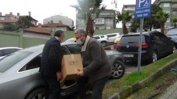 İhtiyaç sahipleri için Kızılay'a 25 koli gıda yardımı yaptı