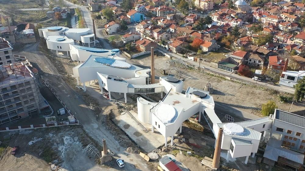 Isparta Belediyesi müzeye ek bina ve fuar merkezine tünel geçit yapıyor