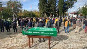 İzmir'de eski eşi tarafından öldürülen Fulya Öztürk, Muğla'da toprağa verildi