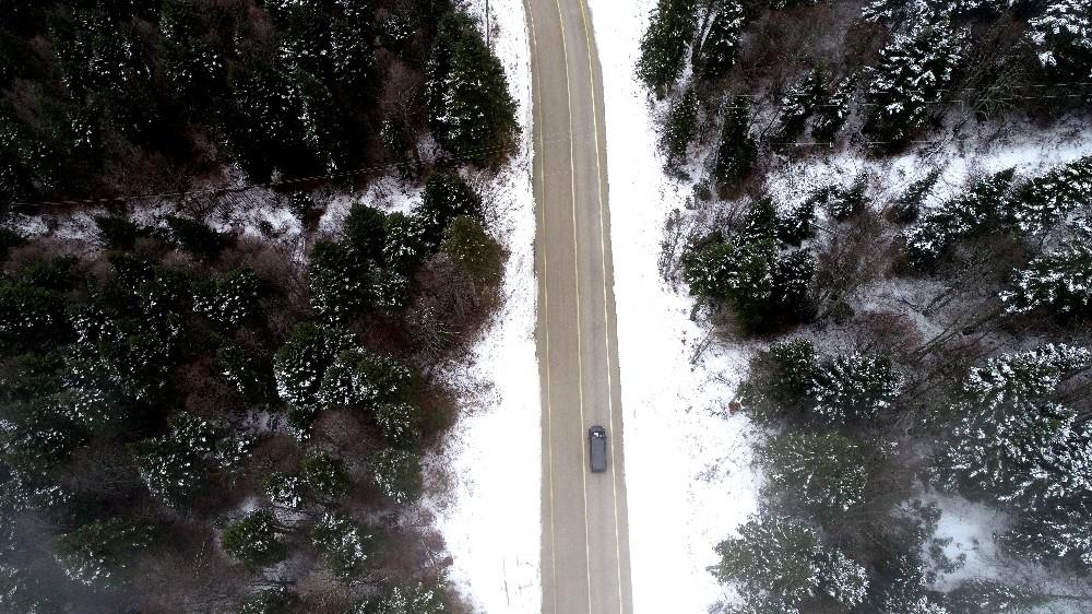 Kar yağdı, Uludağ'da çam ağaçları görsel şölen sundu