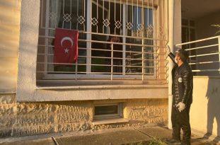 Kartepe'de evinden çıkamayan vatandaşların ihtiyaçlarına koşuluyor