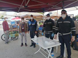 Kemer'de zabıtadan pazar yeri denetimi