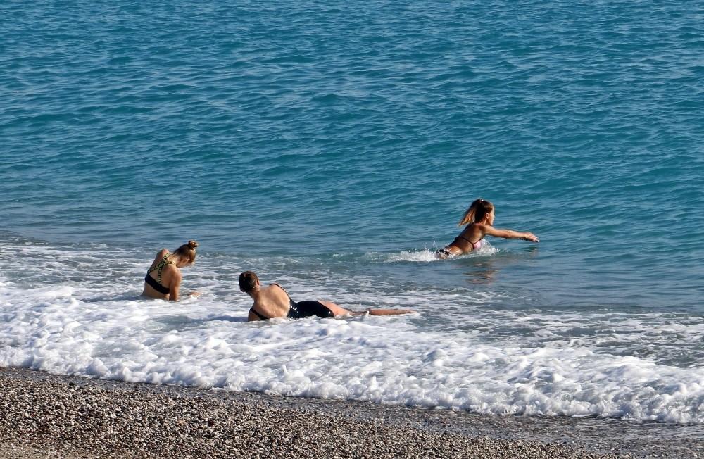 Kısıtlama turistlere yaradı, dünyaca ünlü sahil onlara kaldı