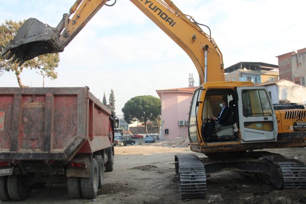 Koçarlı'da belediye hizmet ve emniyet binası için ilk kazma vuruldu