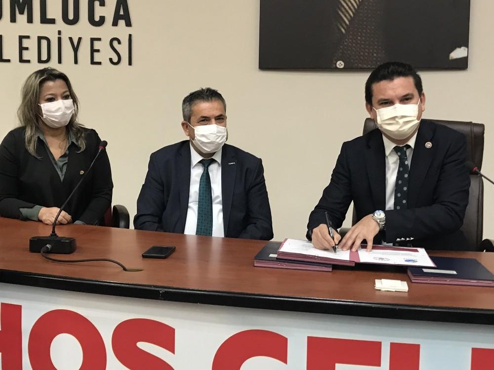 Kumluca Belediyesi'nde memurlara sözleşme morali