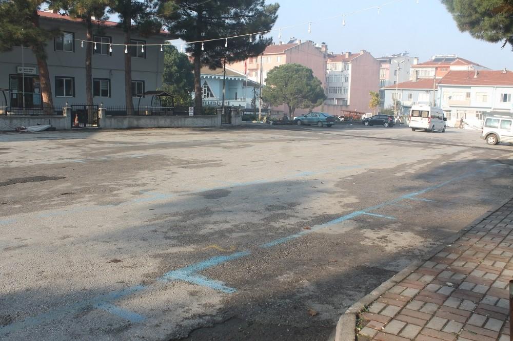 Manyas halkı sokak yasağına tam uyum sağlıyor