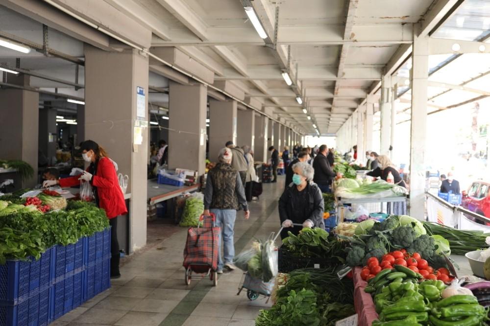 Marmaris'te 65 yaş üstüne özel pazar saati uygulaması