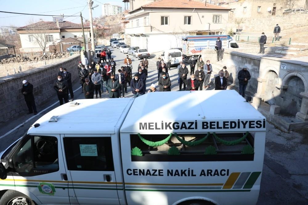 Melikgazi'nin çalışanları hayırsever Mehmet Yıldırım'ı cenazesinde yalnız bırakmadı