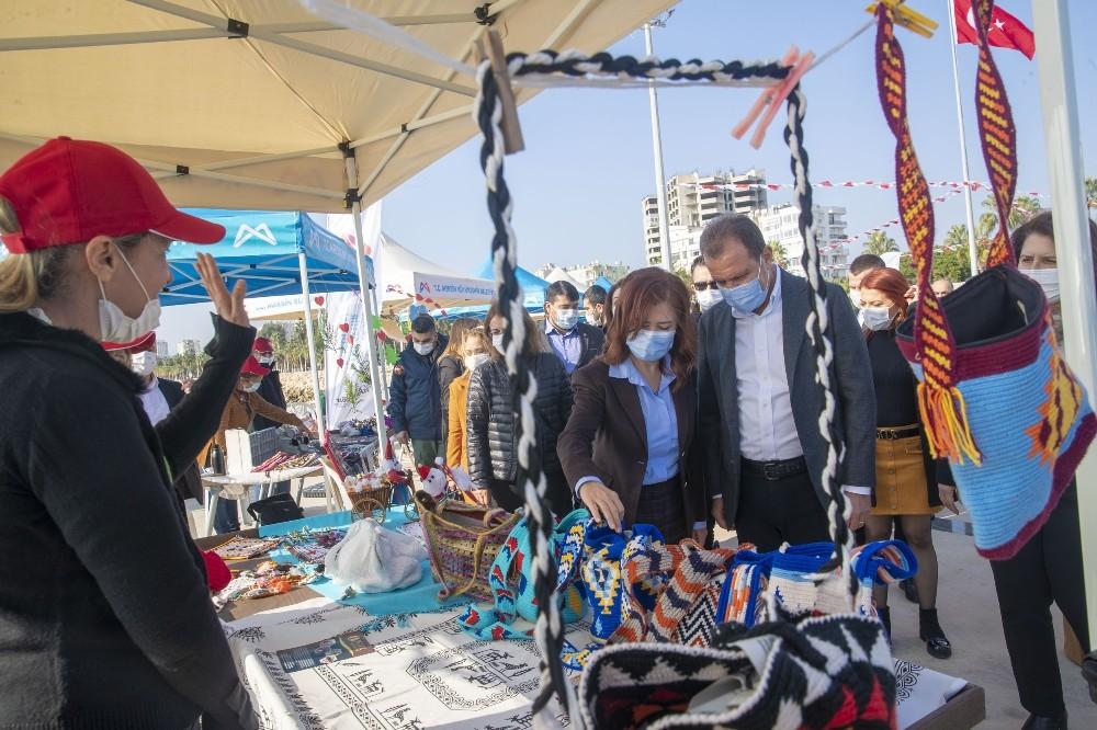 Mersin Büyükşehir Belediyesinden yılbaşı öncesi kadın üreticilere destek