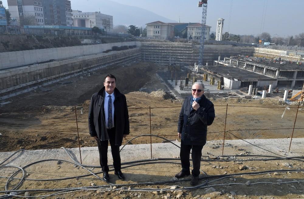 Osmangazi Meydanı'nın fotoğrafı bile heyecanlandırdı