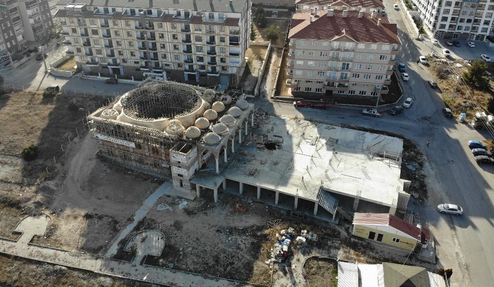 Ribat Camisi ve Kur'an Kursu inşaatı yardım bekliyor
