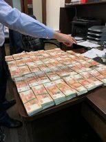 Rusya'da müdür yardımcısının aldığı rüşvet mezarlıkta bulundu