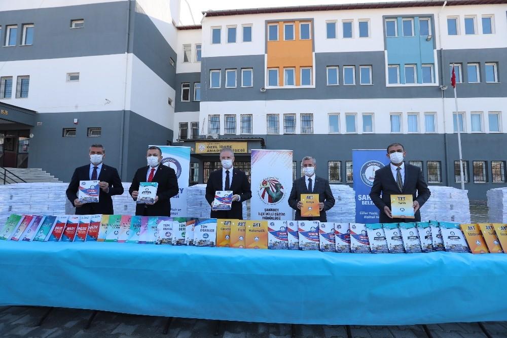 Şahinbey'de 231 bin soru bankasının dağıtımına başlandı