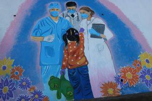 Sanat Sokakta Sanatçıları Sağlık Çalışanlarını Duvara Çizdi