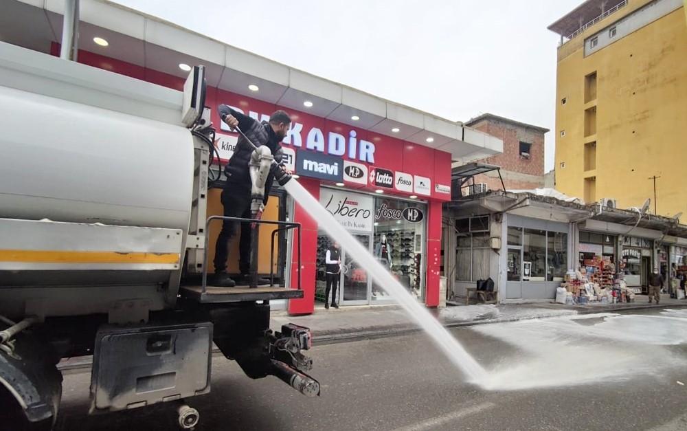 Silvan Belediyesi dezenfekte çalışmalarına devam ediyor