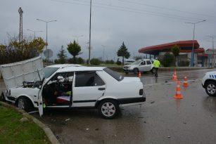Sinop'ta kavşakta kaza: 1 yaralı