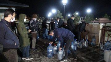 Sivaslılar Kısıtlama Öncesi Tatlı Su Çeşmelerine Akın Etti