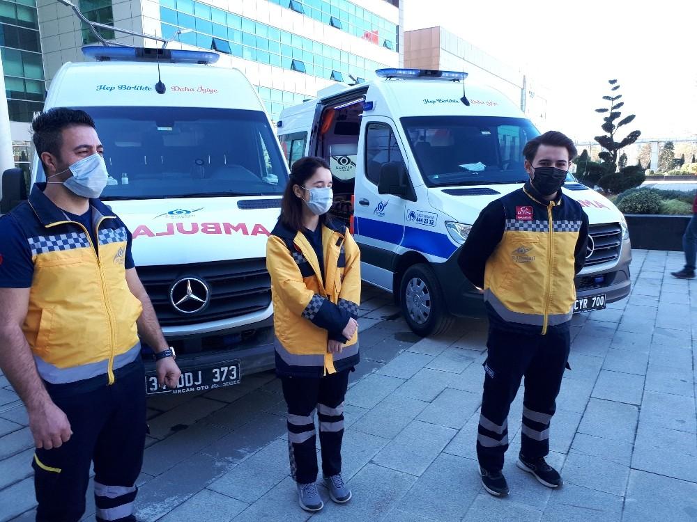 Sultangazi Belediyesi 2 hasta nakil ambulansı ile vatandaşların yardımına koşuyor