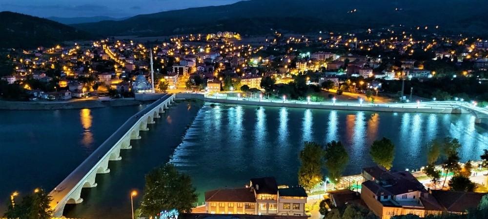 Tarihi Koyunbaba Köprüsü'ne aydınlatma projesi