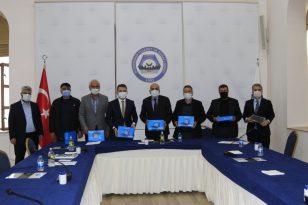TOBB'den Diyarbakır'a tablet desteği
