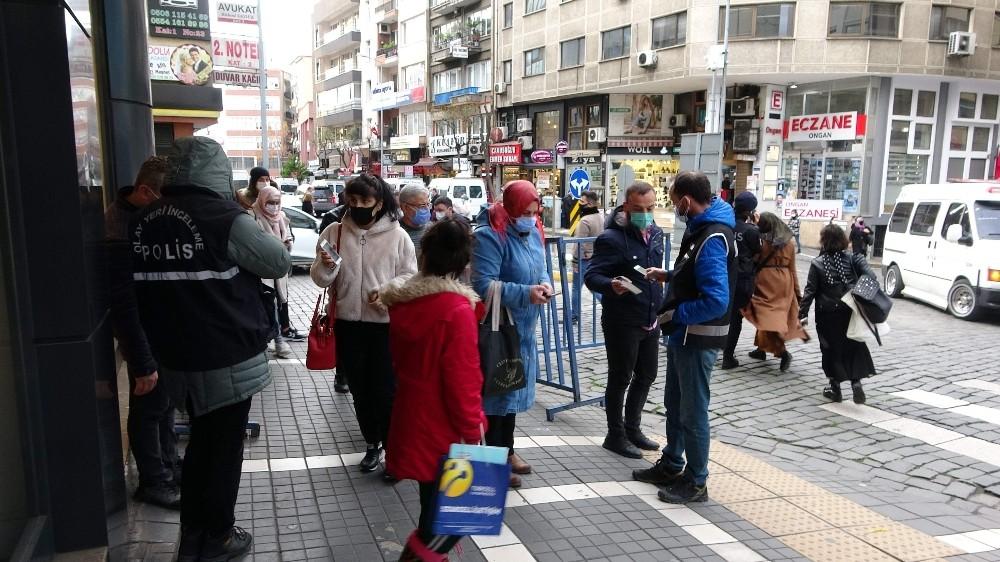 Trabzon'un en işlek caddelerinde HES Kodu uygulaması sürüyor