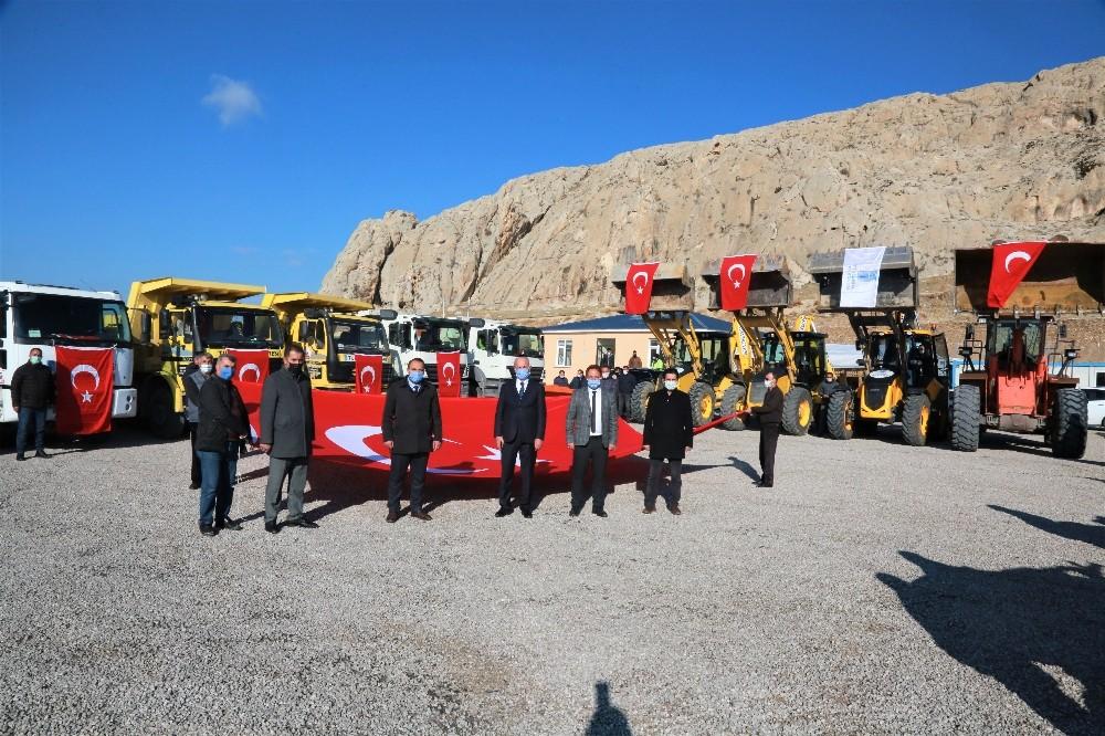 Tuşba Belediyesinin 'karla mücadele ekibi' göreve hazır