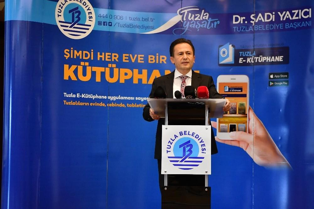 """Tuzla'da 23 bin kitap, vatandaşın """"evine"""" geldi"""