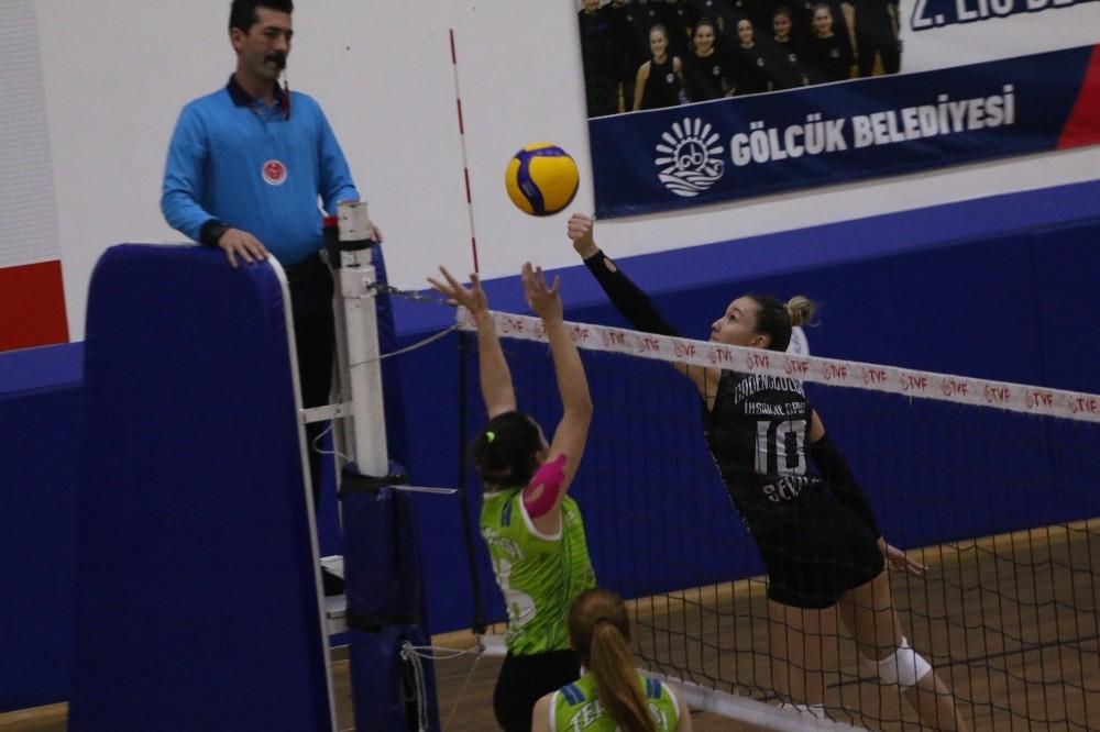 TVF Kadınlar 2. Ligi: Cadence Gölcük İhsaniyespor: 0 – Tepebaşı Gençlik ve Spor Kulübü: 3
