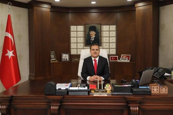 """Hakkari Valisinden """"Mevlana Haftası"""" Mesajı"""